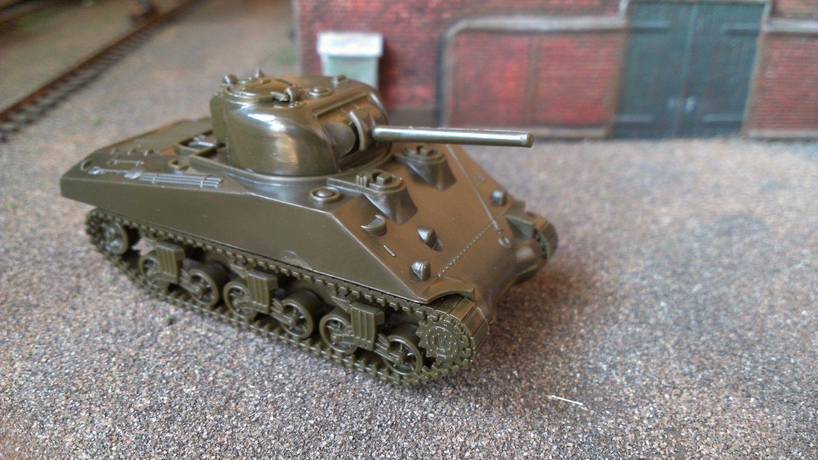 Roco 202 S - Sherman KPz M4 3A