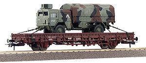 Roco 47753 - Rungenwagen mit MAN 5-to, Tarnfarbe, IFOR