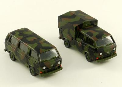 Roco 807 - je 1x VW Bus, Tarnfarbe & VW Pritschenwagen mit Doppelkabine mit Plane, Tarnfarbe