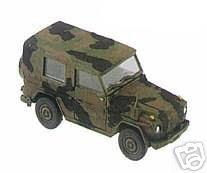 roco-831-db-230-g-wolf-sos-1997-g-gelaendewagen-mit-plane-drei-farben-tarnanstrich
