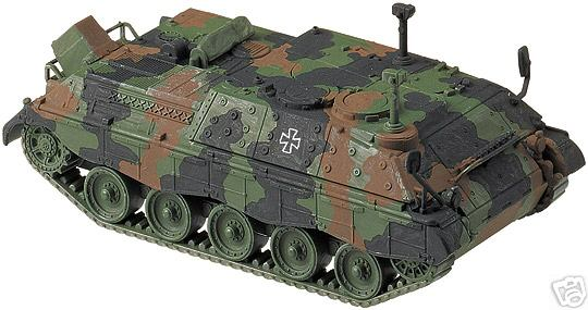 Roco 897 - Bundeswehr Jagdpanzer JAGUAR 2 , getarnt.1