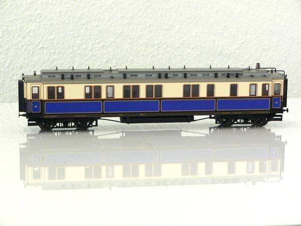 Trix 21240-2 - Hofzug Kaiser Wilhelm II., Gefolgewagen fuer Herren, 4-achsig, intern als Nr. 3a gefuehrt.1