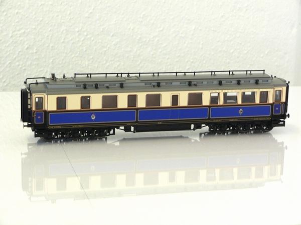 Trix 21241-1 - Salonwagen des Kaisers, 6-sachsig, Wappen des Kaisers auf der Seite, intern als Nr. 1a gefuehrt.1