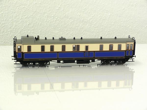Trix 21241-2 - Hofzug Kaiser Wilhelm II., Gepaeckwagen, 4-achsig.1
